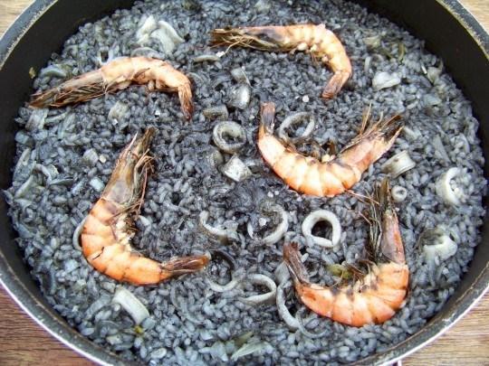 manger du riz noir