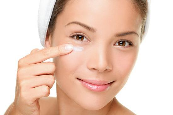 masque et massage facial pour les rides